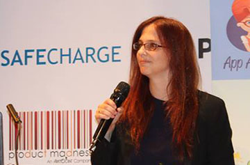 Orly Shoavi delivers a lecture at Casual Connect Tel Aviv 2015.